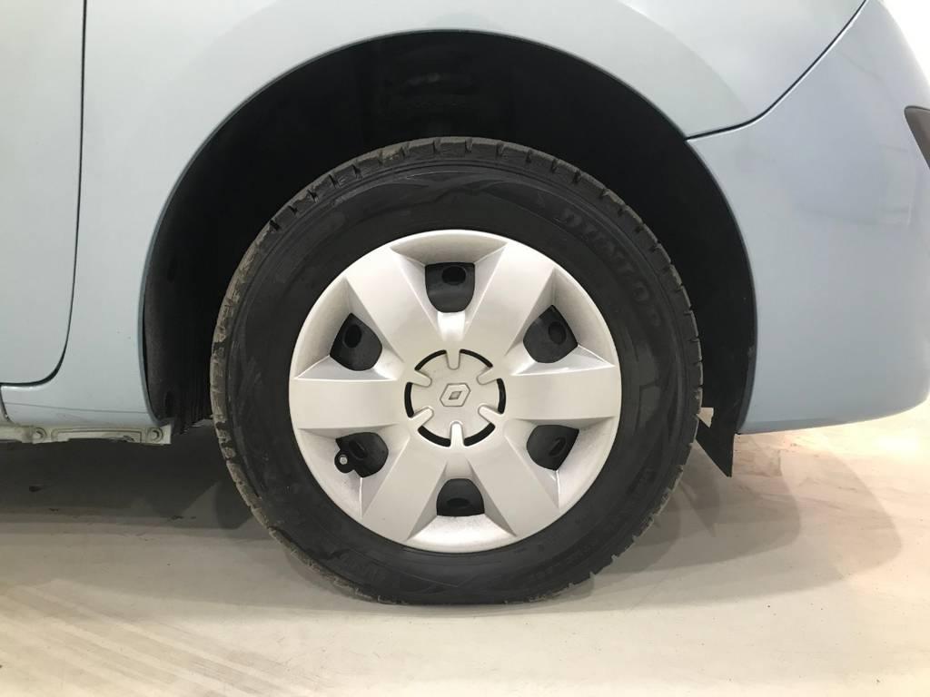 タイヤの山はそこそこありますのでご安心ください。