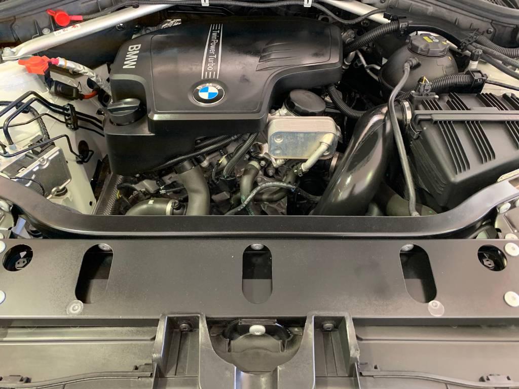 排気量はディーゼルの2000ccディーゼルターボとガソリンはNAの3000cc(28シリーズ)と3000ccディーゼルターボ(35シリーズ)の三種類があります。どれも性能が良い故に悩みますね…