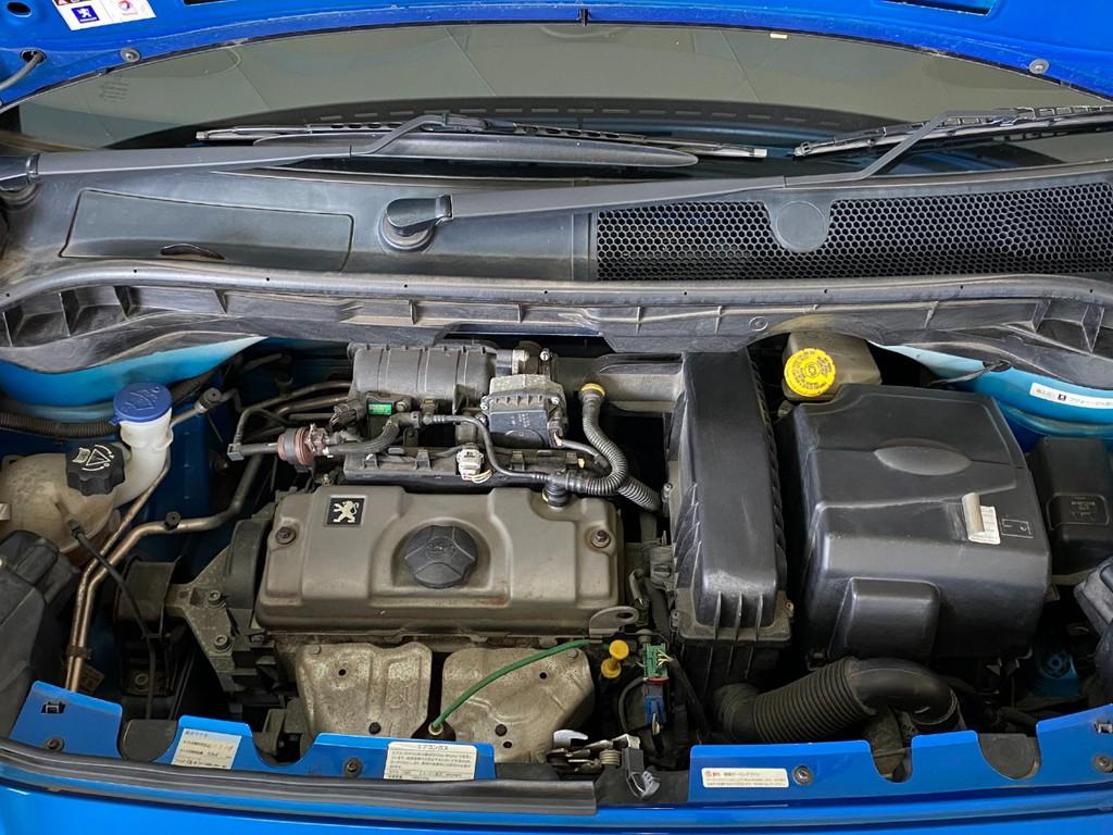 1600ccのエンジンにMTモード付の5速ATの組み合わせです!