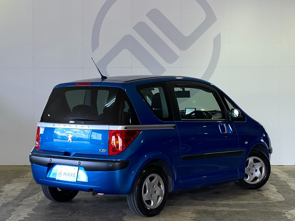 全長373cm、全幅171cm、全高163cmのコンパクトサイズのお車です!