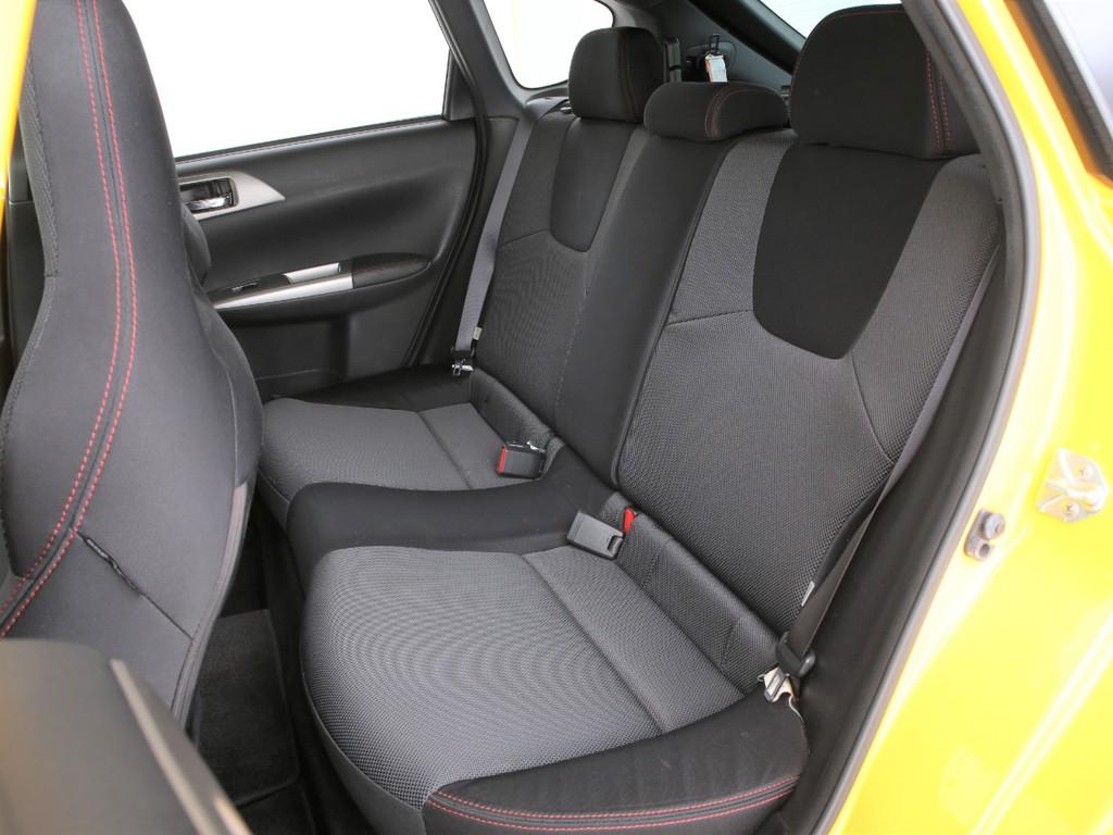 安全性アップの全席3点式のシートベルトとなります!