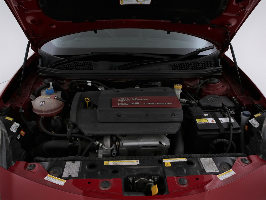 1400ccのガソリンターボエンジンです!