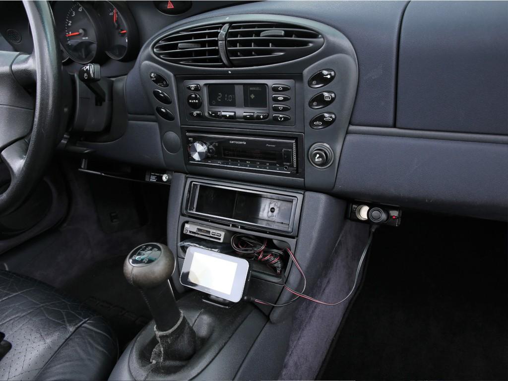カロッツェリア製デッキ!Bluetooth機能やiPhone等と繋げられます!