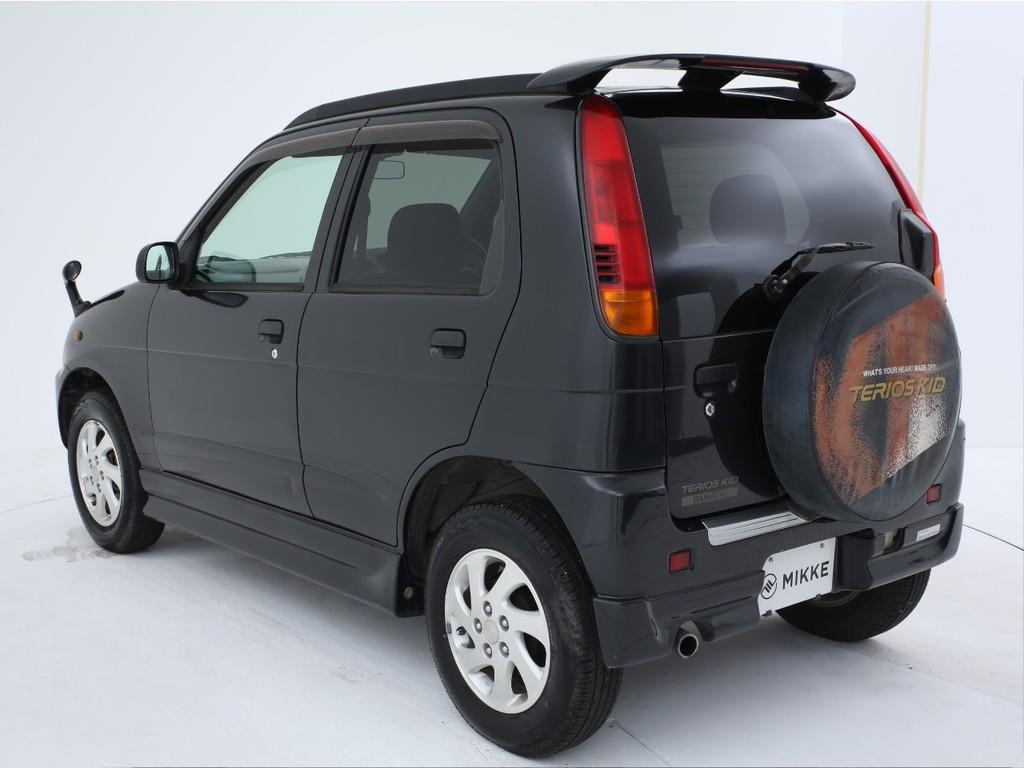 人気アイテムのルーフレール&リアウィング付きのお車です!