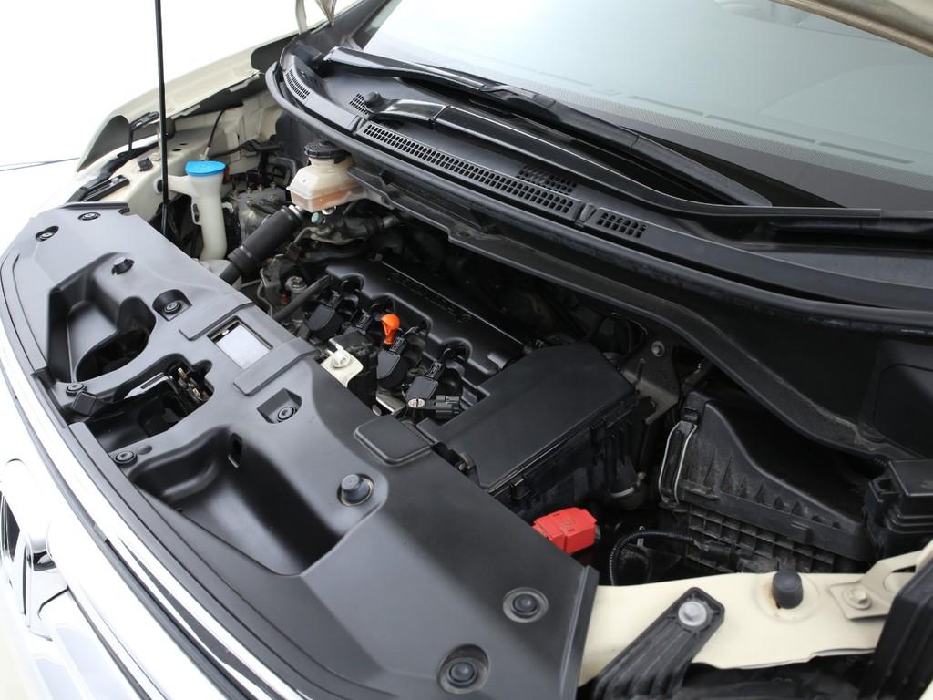 エンジンは2000ccのガソリン!5ナンバーとなります!