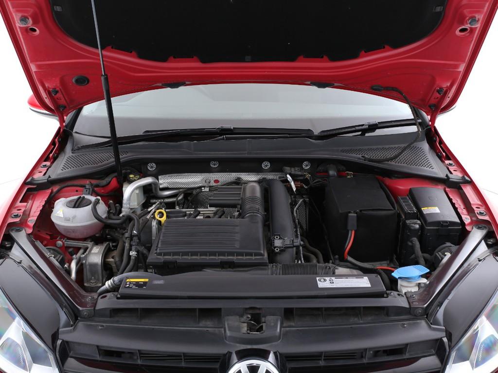 1200ccのダウンサイジングターボ車!燃費は17Km/L(カタログ値)となります!