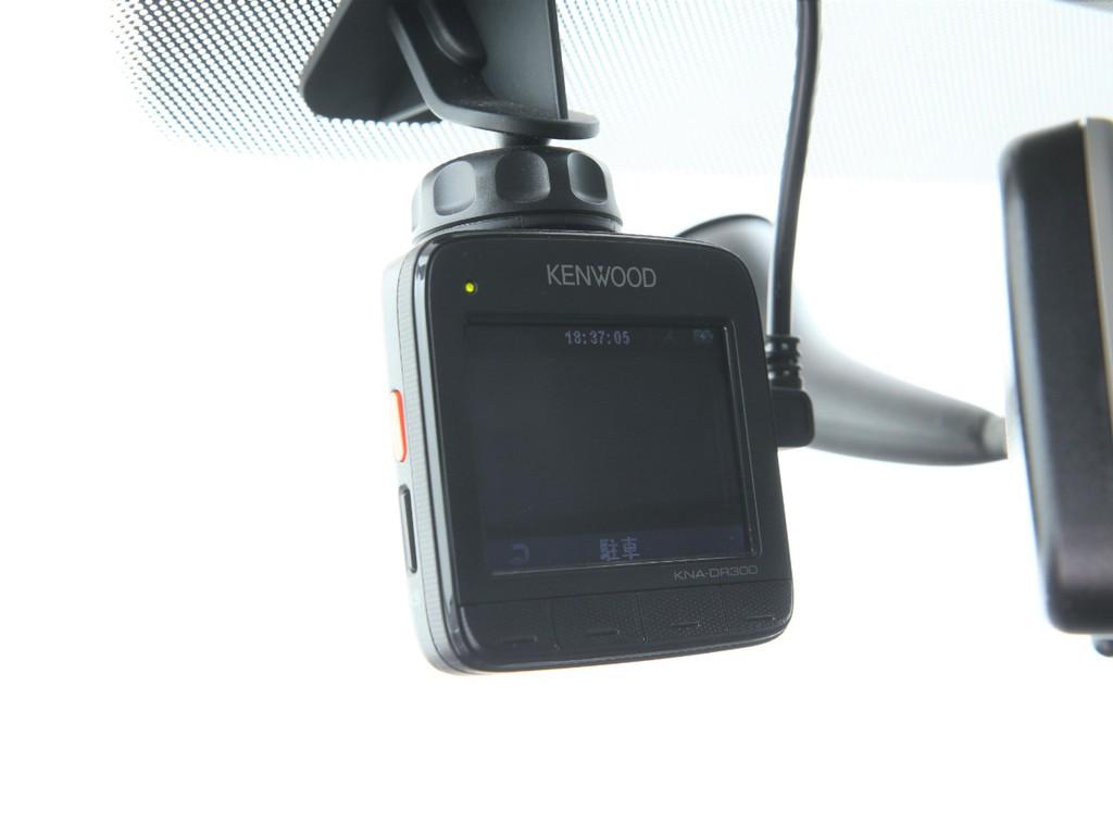 嬉しいドライブレコーダー付き!ETCも装着されております!