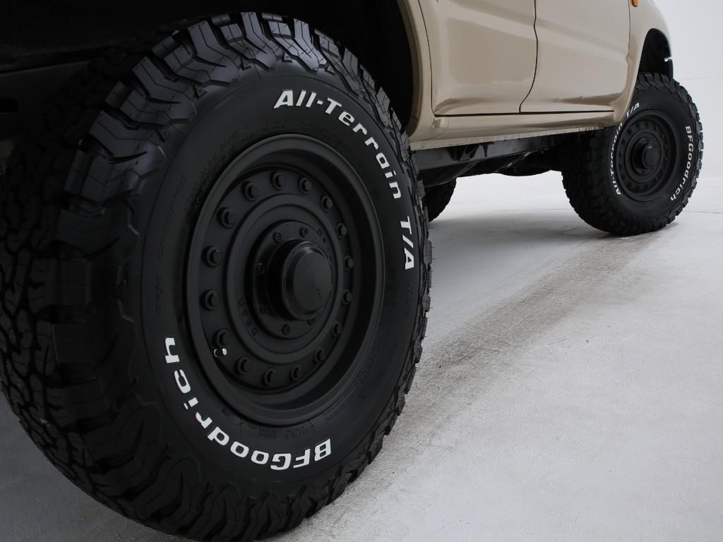 足元には新品DAEN16インチアルミ&グッドリッチATタイヤの組み合わせです!