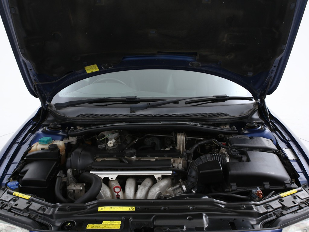 エンジンは2400ccのガソリン!この年式から170ps(カタログ値)となります!