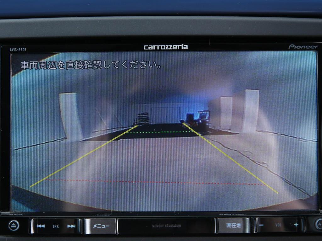 カロッツエリア製地デジナビ!CD/DVD再生&Bluetooth機能付きです!