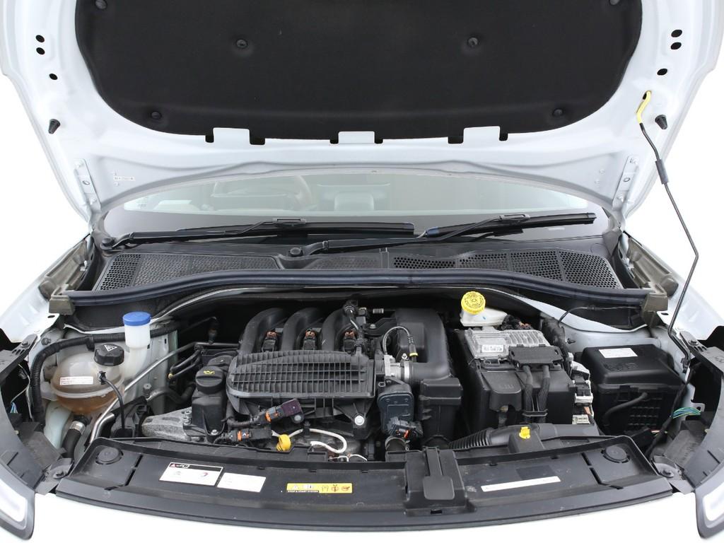 エンジンは1200ccの3気筒ガソリンとなります!