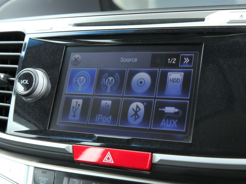 純正HDDナビ!フルセグTV&Bluetooth機能等が付いております!