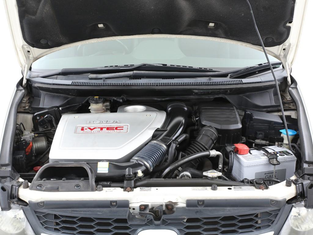 2400ccのガソリンエンジン!ホンダ得意のVTECエンジンです!