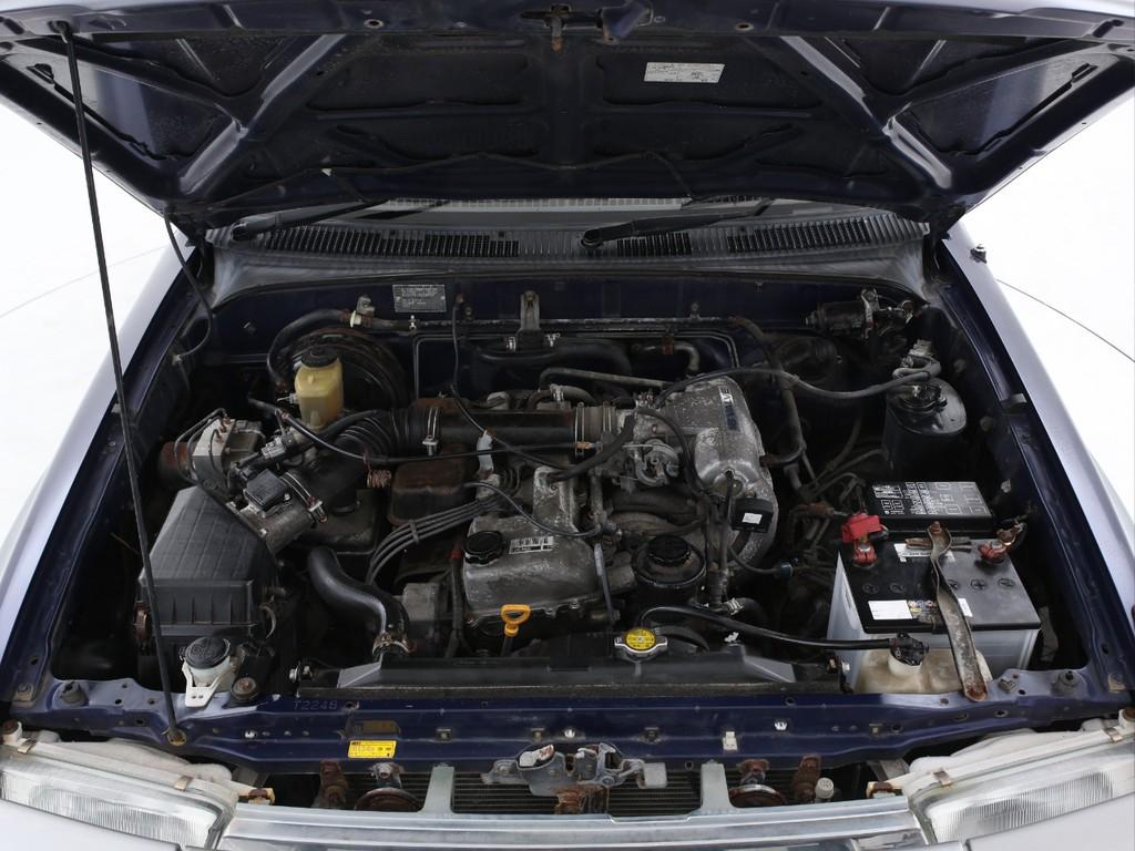 2700ccのガソリンエンジン!必要十分なパワーを発揮します!