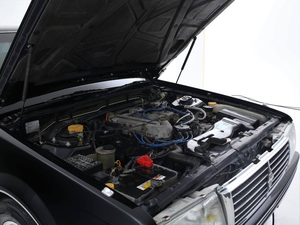 エンジンは2000ccのガソリン!必要十分なパワーを発揮します!