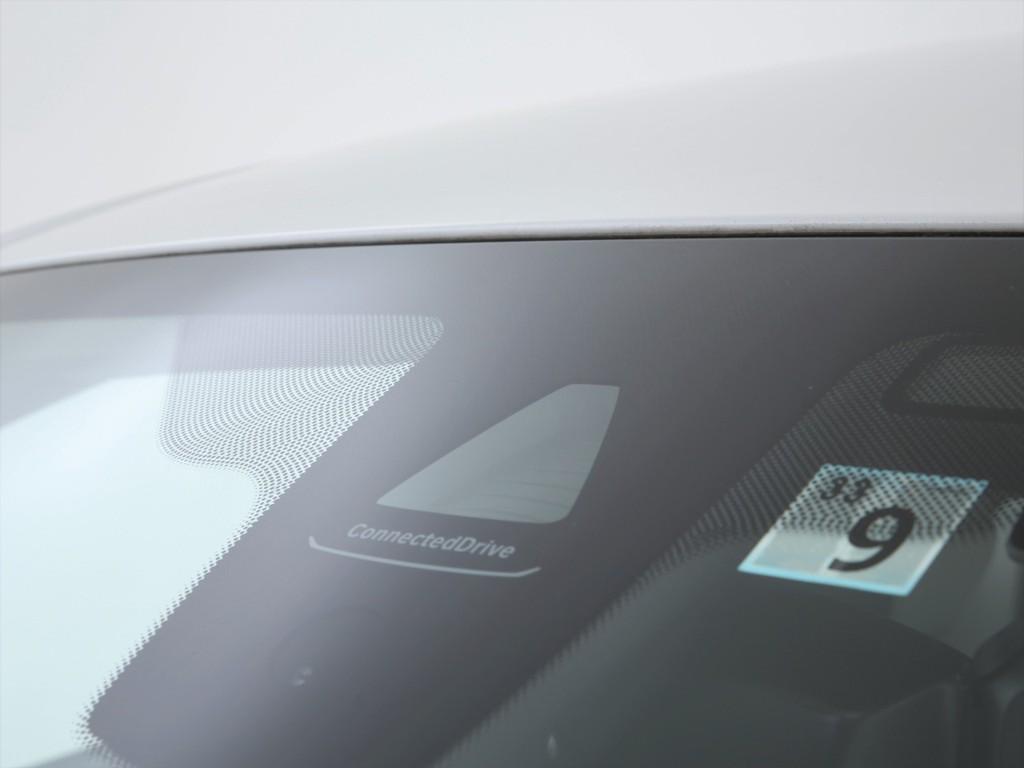 衝突被害軽減ブレーキも装着車両!コーナーセンサー等の安全装備も充実です!