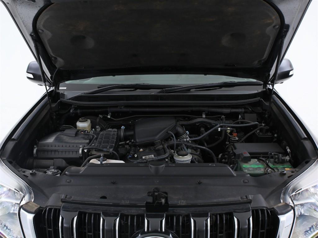 エンジンは2700ccのガソリン!十分なパワーを発揮してくれます!