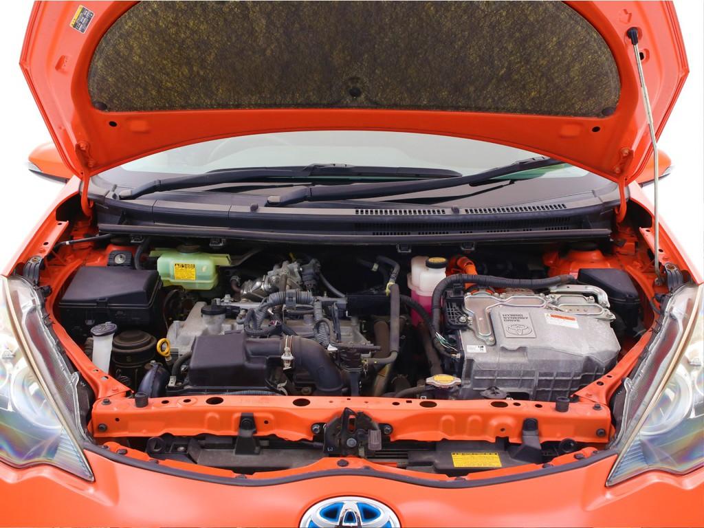 エンジンは1500ccのガソリン+モーター!低燃費のオススメ車両です!