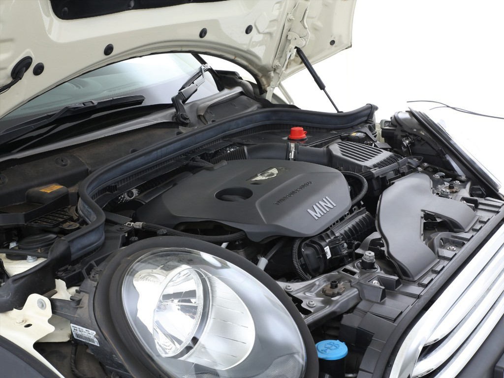 エンジンは1200ccのガソリンターボエンジン!十分なパワーを発揮いたします!