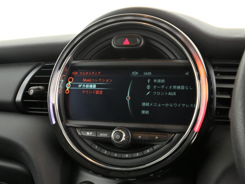 MINI純正ディスプレイ!ナビゲーション&Bluetooth機能付きです!