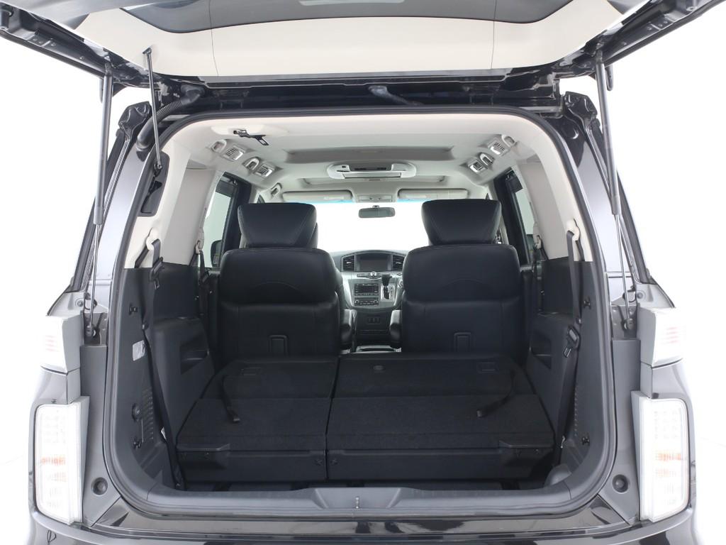 ミニバンですので荷物スペースもございます!シートを倒せば更に広いスペースとなります!