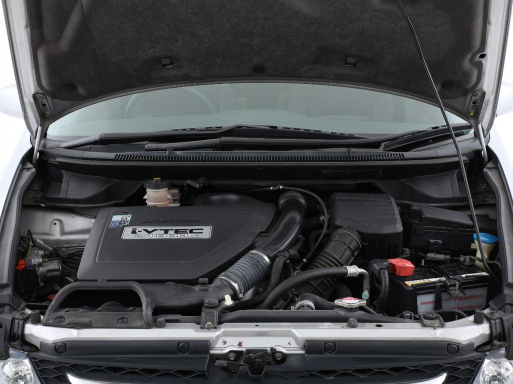 エンジンは2400ccのガソリン!十分なパワーを発揮いたします!