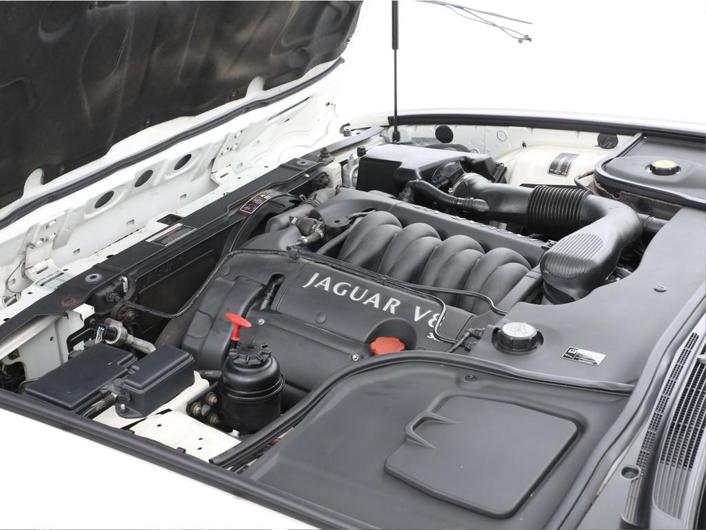 エンジンは3200ccのV8ガソリン!最大243ps(カタログ値)を発生します!