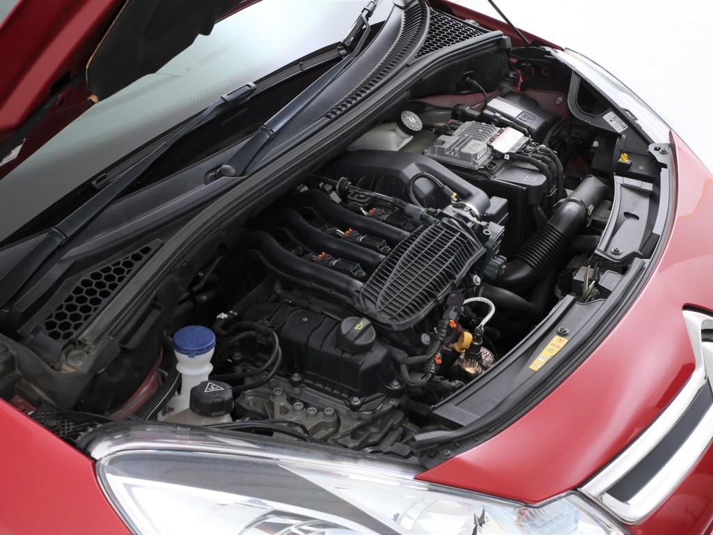 エンジンは1200ccのガソリン!排気量が小さいので自動車税も安く維持しやすいです!