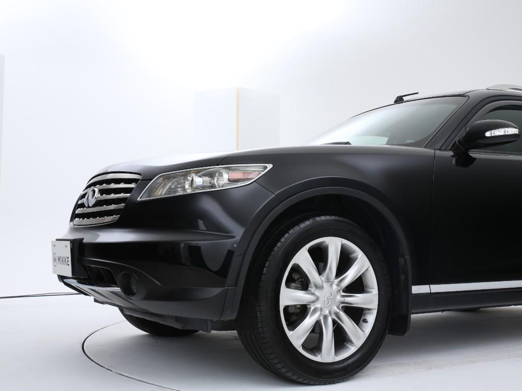 インフィニティーのSUV!日本未発売ですので台数御少ない稀少なお車です!