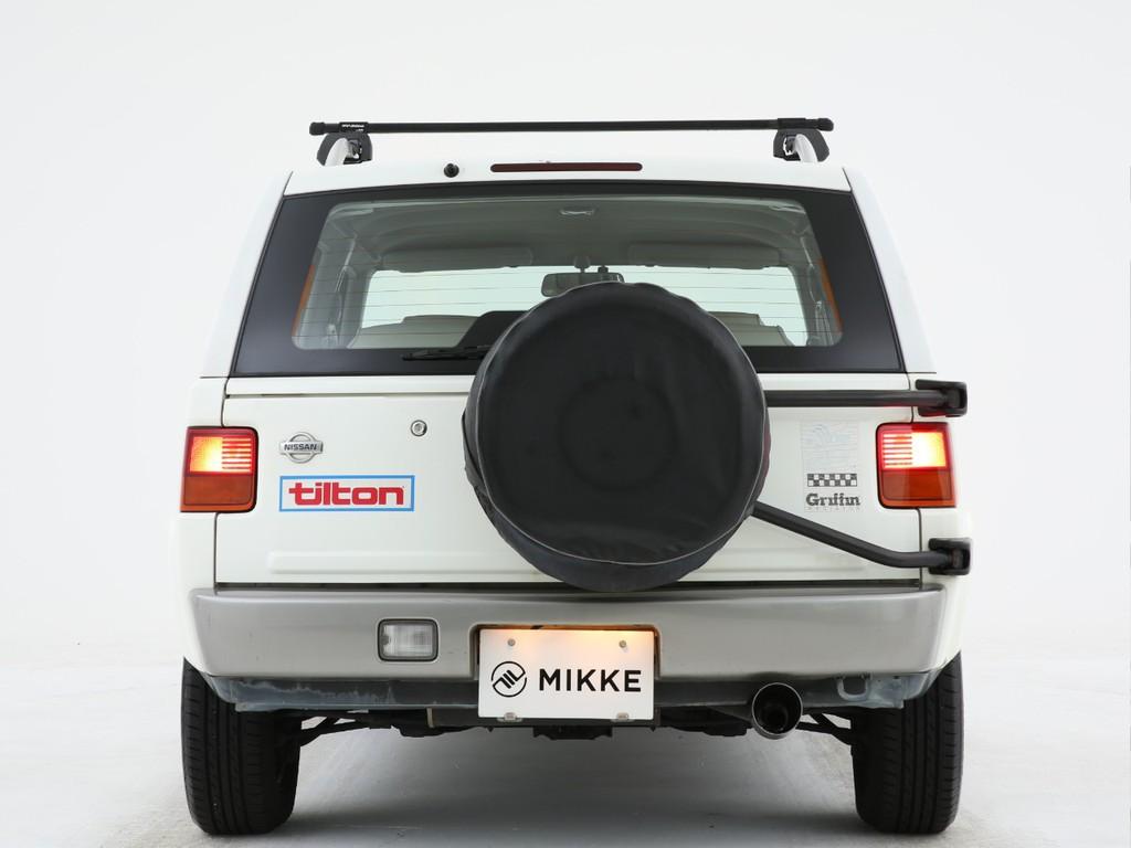 リアには小振りなテールランプ付き!背面タイヤも付いております!