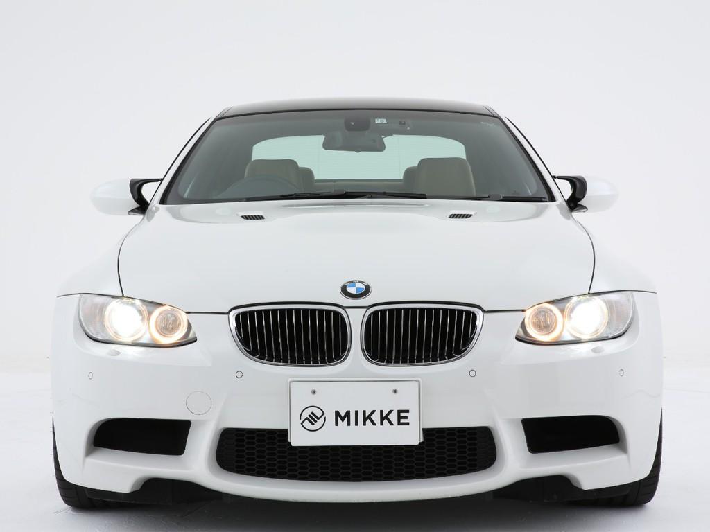 BMWの代名詞のイカリングヘッドライト!純正ディスチャージで夜の運転も安心出来ます!
