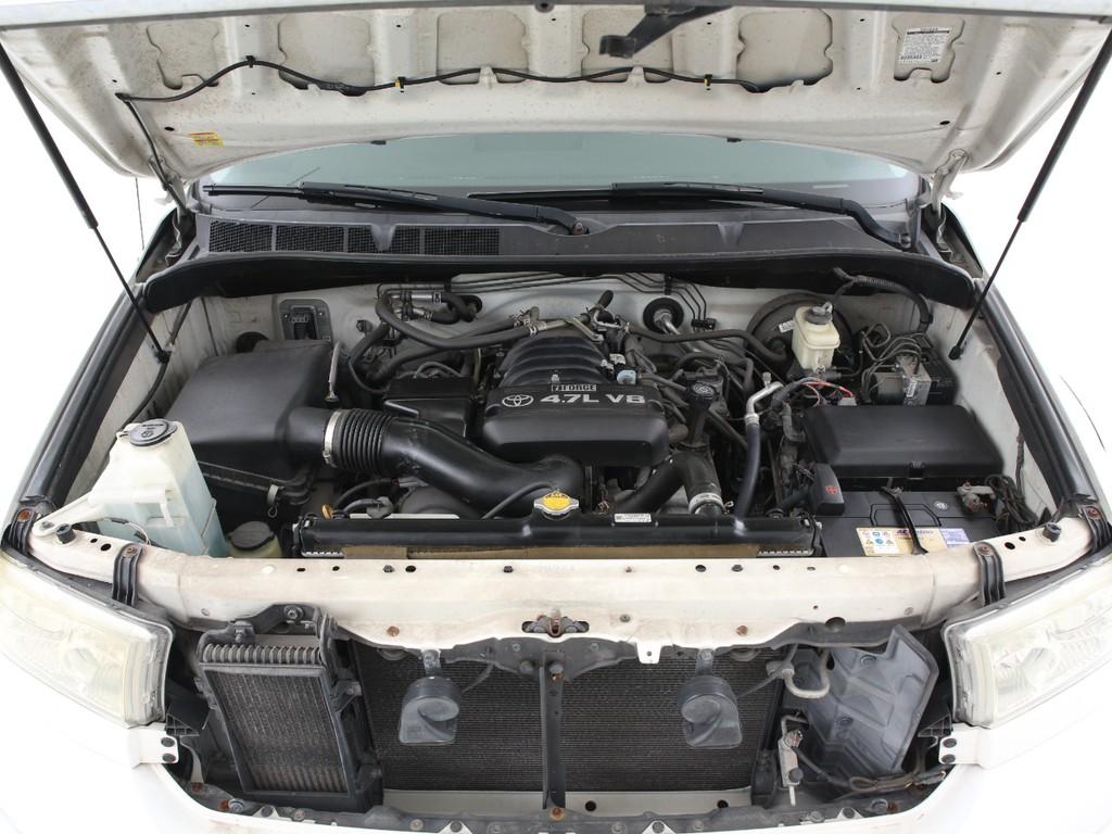 エンジンは4700ccのガソリン!大排気量ならではのパワーをご体感ください!