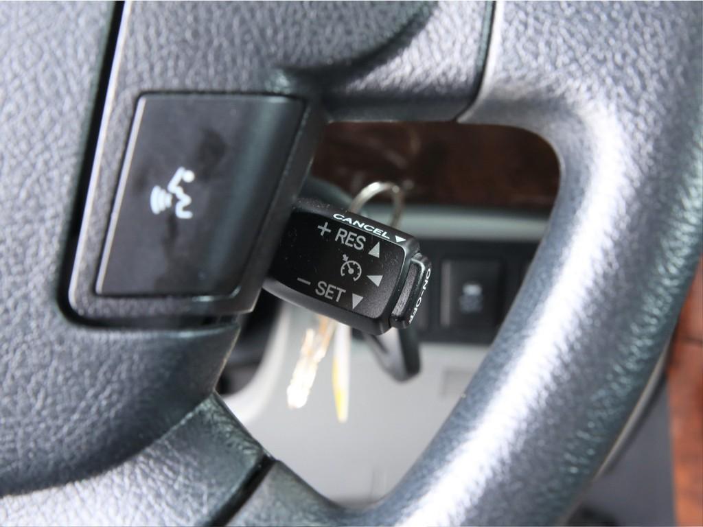 嬉しいクルーズコントロール付き!長距離ドライブの運転も楽になります!