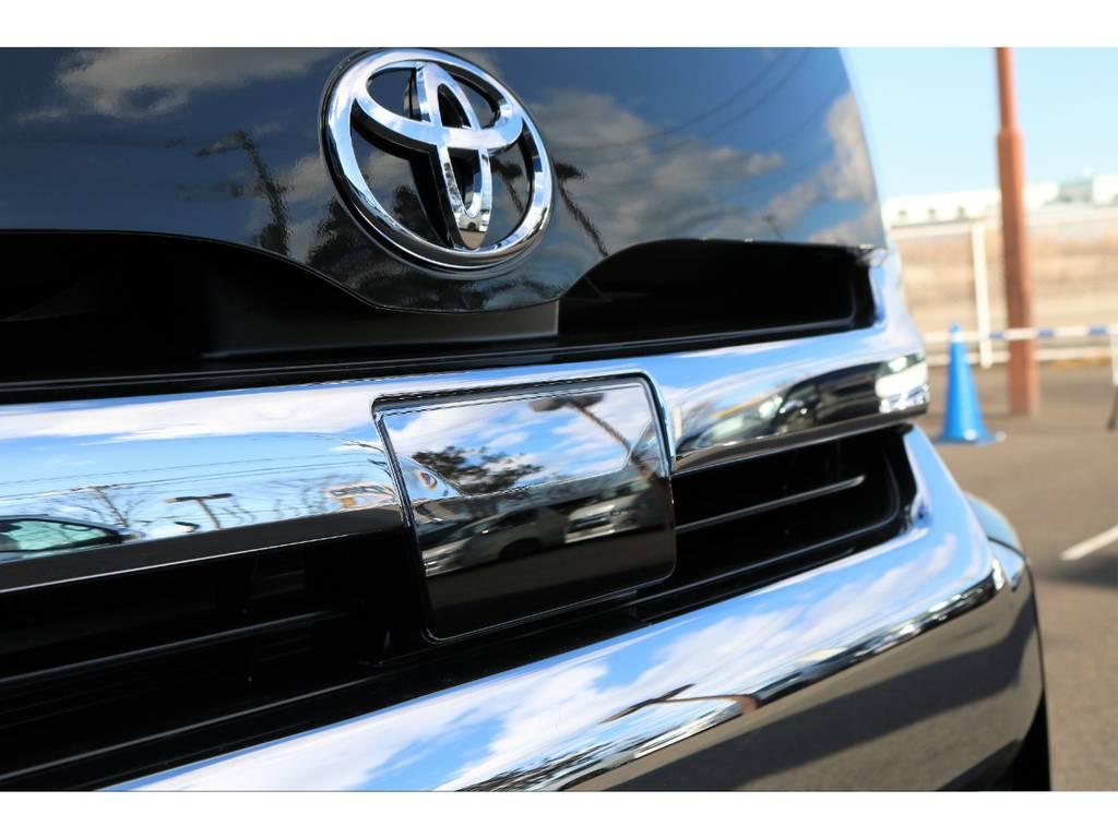 歩行者検知機能付衝突回避支援タイプのミリ波レーダー&単眼カメラ搭載!さらに、オートマチックハイビーム&盗難防止システム(イモビライザーシステム・オートアラーム)も標準装備! | トヨタ ハイエース 2.7 GL ロング ミドルルーフ 4WD TSS付