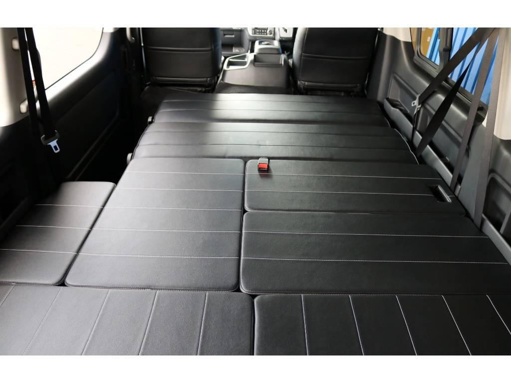 フルフラットベッドアレンジ!大人でも足を伸ばして寝れます!   トヨタ ハイエース 2.7 GL ロング ミドルルーフ 4WD TSS付 Ver2