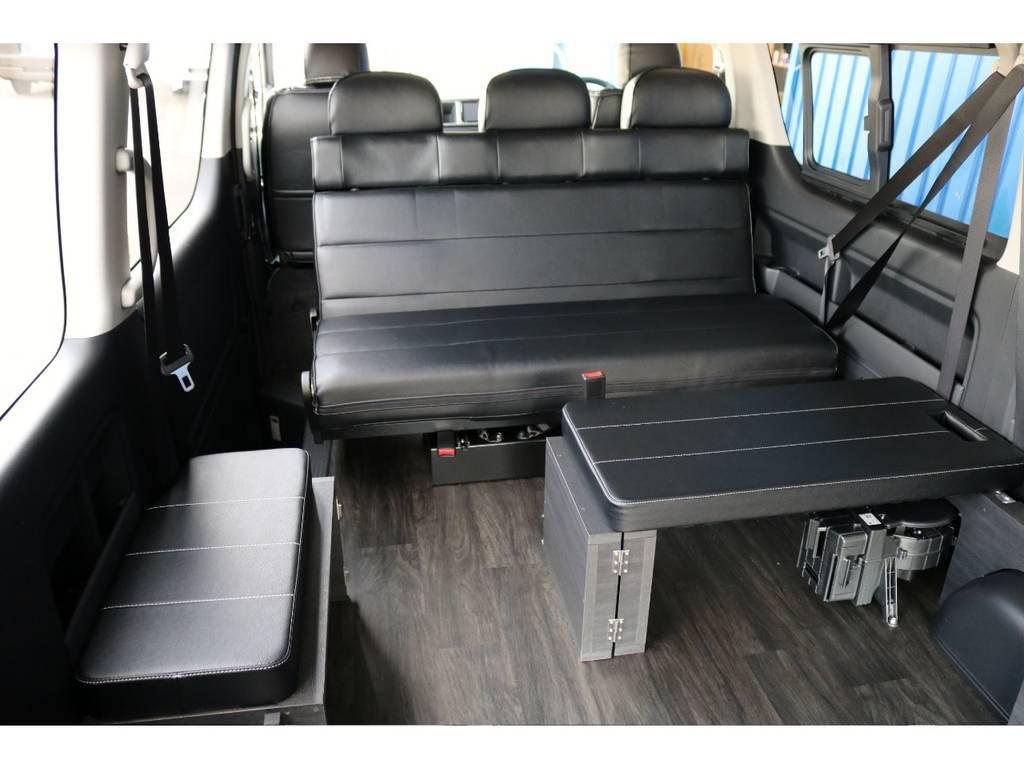 セカンドシートを後ろ向きにしてリビングモードにも!   トヨタ ハイエース 2.7 GL ロング ミドルルーフ 4WD TSS付 Ver2