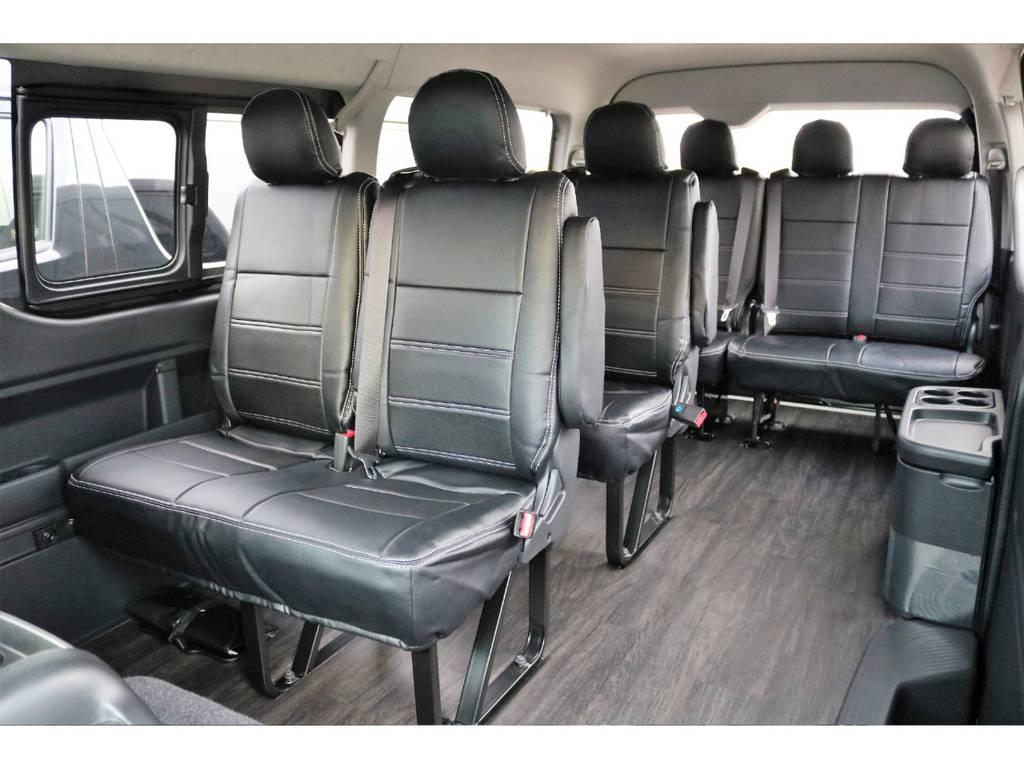 黒木目調のフロア施工済み♪ お掃除も楽々で大人気のカスタムです♪ | トヨタ ハイエース 2.7 GL ロング ミドルルーフ 4WD TSS付