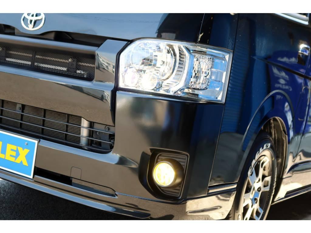 メーカーオプションのLEDヘッドライト!LEDフォグバルブ(イエロー)も装備!