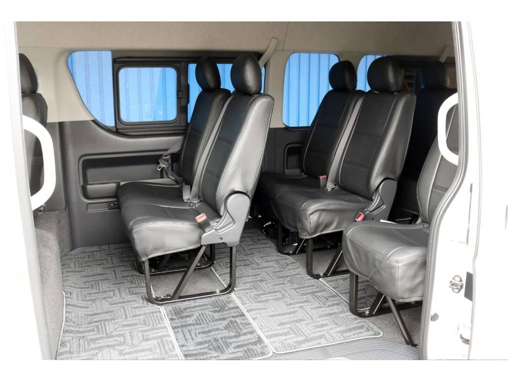 全席黒レザー調シートカバーを装備! | トヨタ ハイエースコミューター 3.0 GL ディーゼルターボ 4型10人乗り3ナンバー