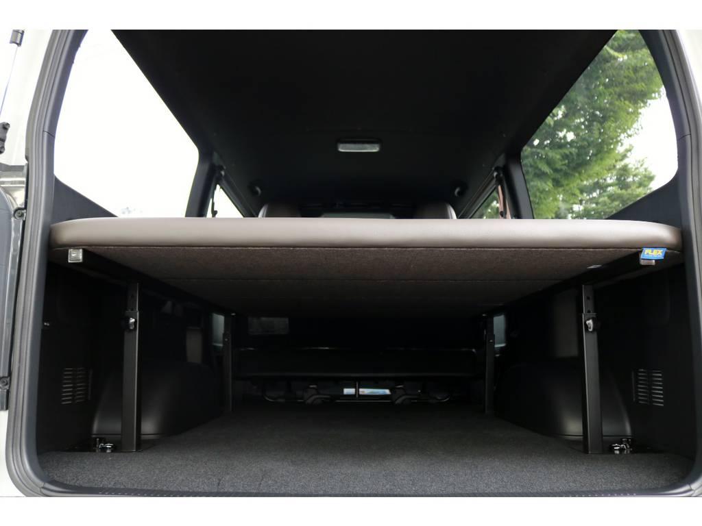 オリジナルベッドは高さ調整も可能です!ベッドの下には荷物もタップリ積めます!