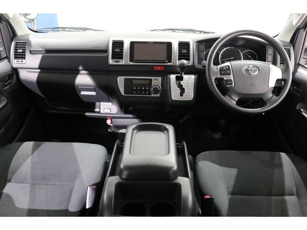 メーカーオプションの助手席エアバッグ&AC100Vアクセサリーコンセントも装備しております! | トヨタ ハイエースバン 3.0 スーパーGL ロング ディーゼルターボ 4WD 4型