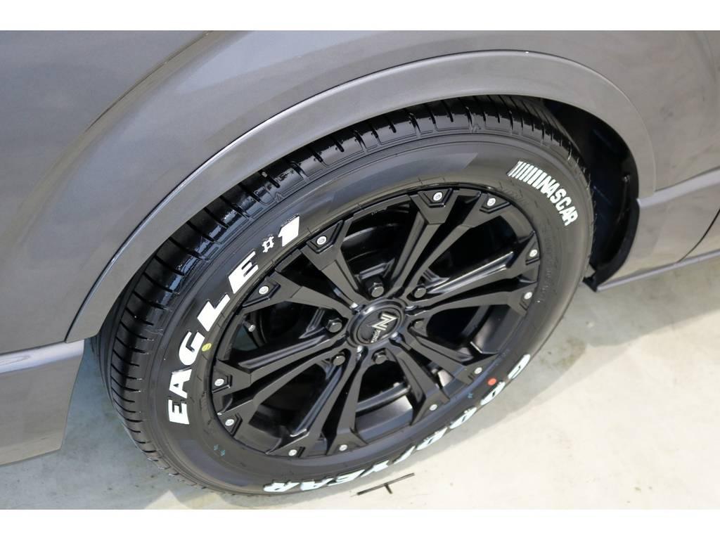 インチアップには必須のFLEXオリジナルDelfine Lineフェンダー! | トヨタ レジアスエース 3.0 スーパーGL ロングボディ ディーゼルターボ 4WD 4型前期モデル
