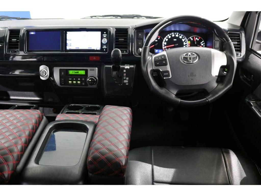 黒木目インテリアパネル&コンビステアリング&シフトノブ! | トヨタ ハイエース 2.7 GL ロング ミドルルーフ 4WD シートアレンジ