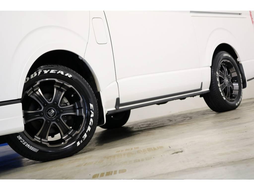バルベロ ワイルドディープス17インチアルミホイール(FLEX専用カラー)&ナスカータイヤ!FLEXオリジナルオーバーフェンダーも装着! | トヨタ ハイエース 2.7 GL ロング ミドルルーフ 4WD シートアレンジ