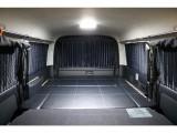 遮光カーテンも装備されている車中泊仕様になっております!