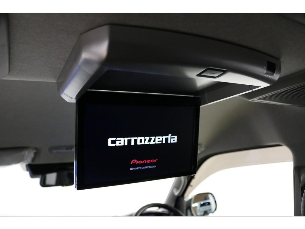 カロッツェリアフリップダウンモニターで後列の方のドライブも快適にいたしております!