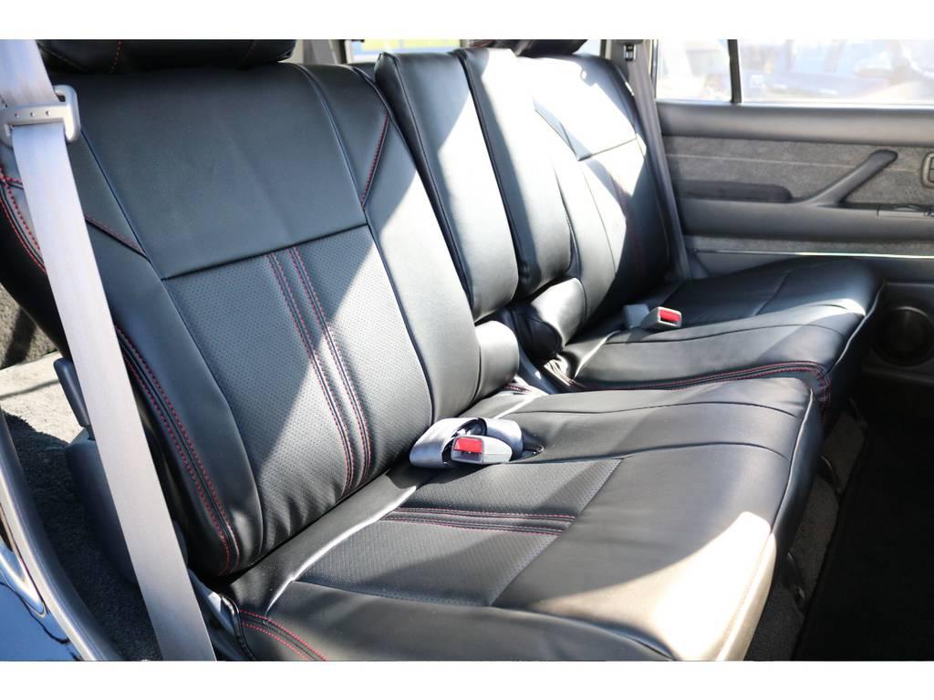 ユトリを持ってお座りいただけるセカンドシート!   トヨタ ランドクルーザー80 4.5 VXリミテッド Gパッケージ 4WD 角目四灯 3インチUP