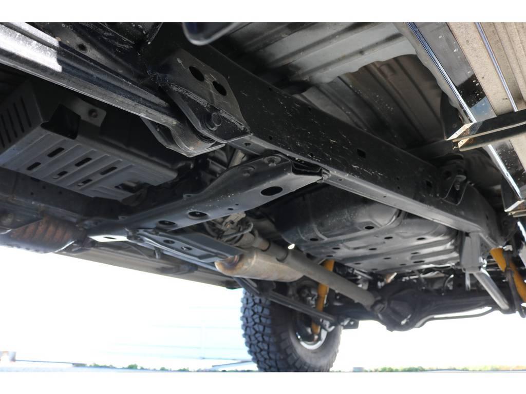 下回りは洗浄後、防腐パスター仕上げにてお渡しさせていただきます!   トヨタ ランドクルーザー80 4.5 VXリミテッド Gパッケージ 4WD 角目四灯 3インチUP