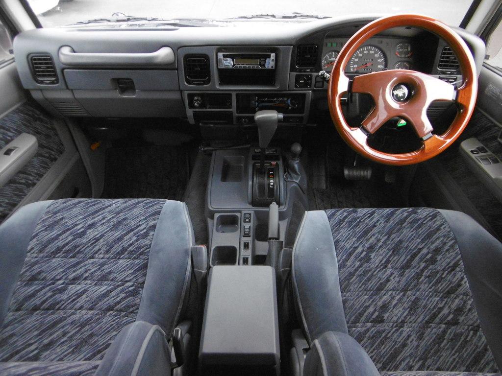 ランドクルーザープラド 3.0 SXワイド ディーゼルターボ 4WD
