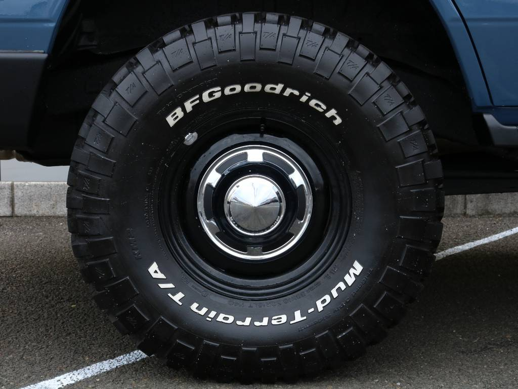 トヨタ輸出用ホイール&BFグッドリッチM/T!クラシックな雰囲気やナローボディーにとても相性の良い組み合わせ★ | トヨタ ランドクルーザープラド 3.0 SXワイド ディーゼルターボ 4WD NEWアルルブルー クラシックコンプ